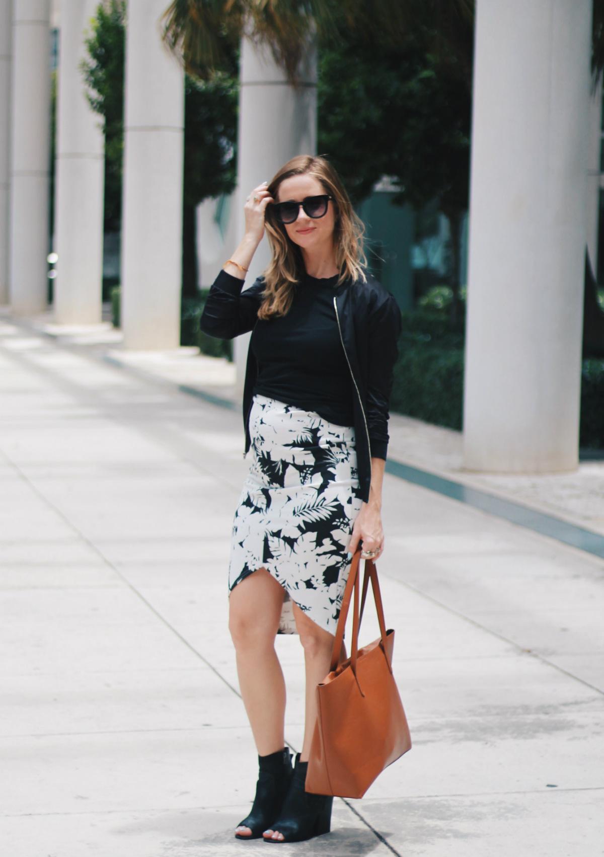 maternity blogger